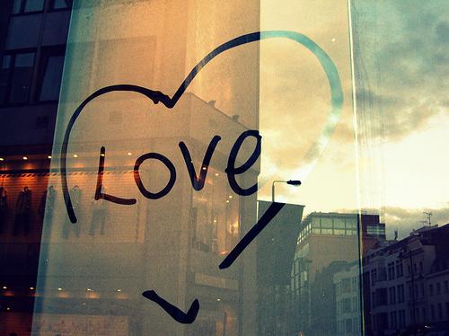 city-light-love-mirror-ouredge.tumblr.com-reflection-Favim.com-108557