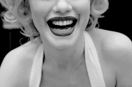 beautiful-black-amp-white-lips-marylin-monroe-pretty-Favim.com-243944